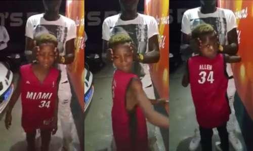 Vidéo insolite : un enfant tourne la tête à 180°