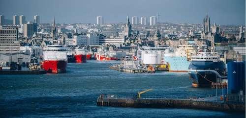 Ecosse : dans le port d'Aberdeen