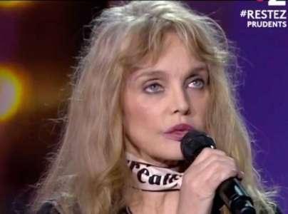 Arielle Dombasle humiliée sur la Toile, après une chanson folle !