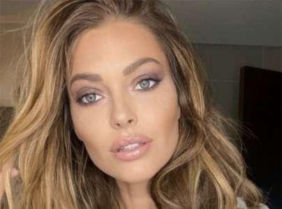 Maquillage : voici le fond de teint préféré de Caroline Receveur