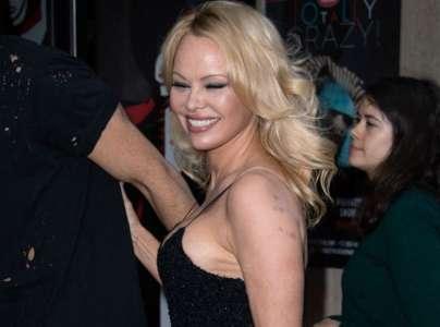 Pamela Anderson a retrouvé le sourire ! Découvrez grâce à qui...