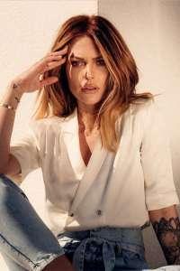 Caroline Receveur : Découvrez les premières pièces de RECC Paris, sa nouvelle marque de vêtements