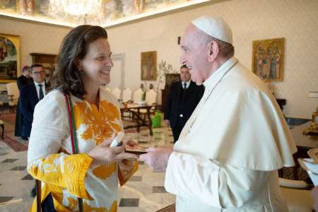 Juliette Binoche : pourquoi l'actrice a rencontré le pape ?