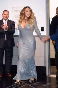 Mariah Carey en robe ultra moulante et décolleté plongeant... Elle met le paquet à New York !
