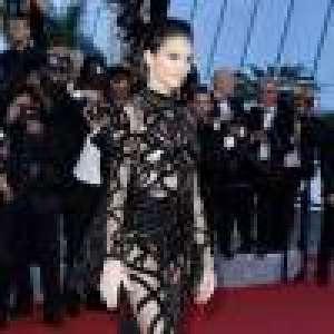 Kendall Jenner sublime son corps, jouant sur la transparence à Cannes