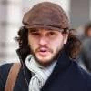 Kit Harington (Game of Thrones) barbe rasée : Il ressemble à un acteur décédé...