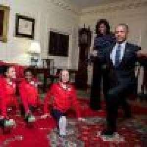 Michelle Obama se moque de Barack, incapable de toucher une partie de son corps