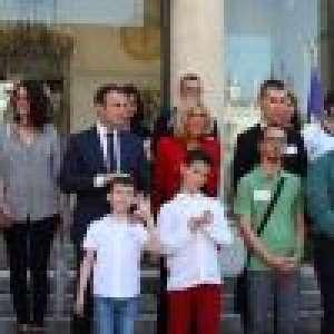 Brigitte Macron séduit en veste rouge :