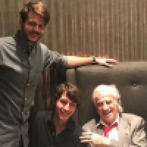 Jean-Paul Belmondo fête ses 85 ans avec ses enfants et petit-enfants...