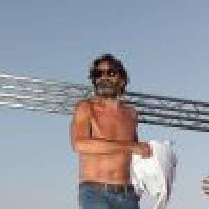 Frédéric Beigbeder chaud festivalier : Vodka et saut dans la foule torse nu