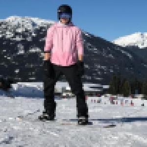 Brooklyn Beckham se blesse au ski : des images impressionnantes...