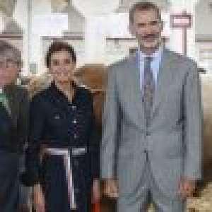 Letizia d'Espagne recycle son look casual chic au milieu des vaches