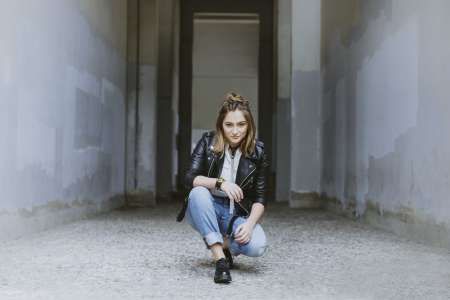 Angie Robba : la session acoustique de «Freaking Day» !
