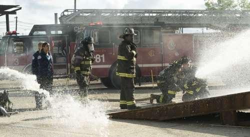 [Critique] Chicago Fire saison 6 : un retour poussif !
