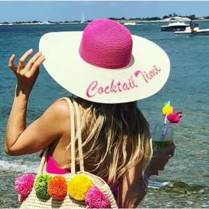 Floppy beach hats and bucket hats for Women