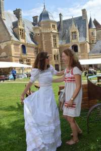 Ce week-end            Le château d'Ainay-le-Vieil pique la curiosité des visiteurs