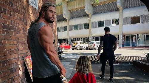 Le fils de Chris Hemsworth est fan de Superman :