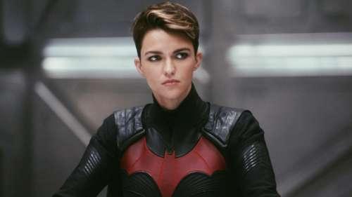Batwoman : Warner Bros. répond à Ruby Rose et l'accuse de
