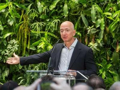 Amazon : Jeff Bezos quitte le devant de la scène