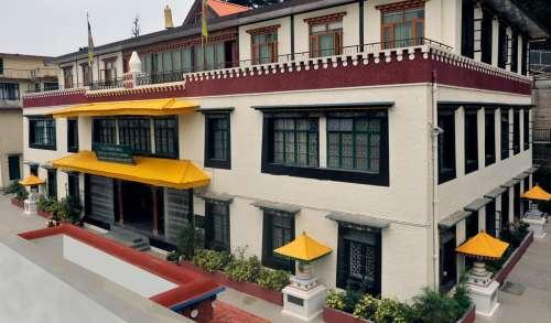 La Bibliothèque tibétaine devient numérique et offre son patrimoine en ligne