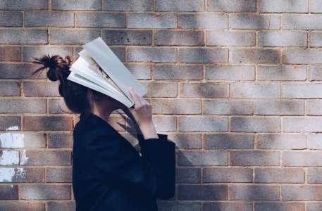 #LivreEnVie : les liens qu'entretiennent les Français avec la lecture