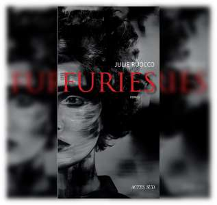 Julie Ruocco reçoit le Prix Envoyé par La Poste 2021 pour son livre Furies