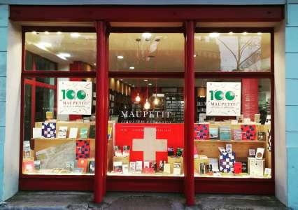"""""""C'est vrai qu'on pourrait avoir beaucoup plus de librairies à Marseille."""""""