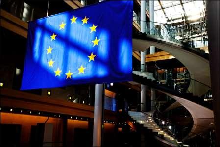 """Des députés européens plaident pour un """"statut européen de l'artiste"""""""