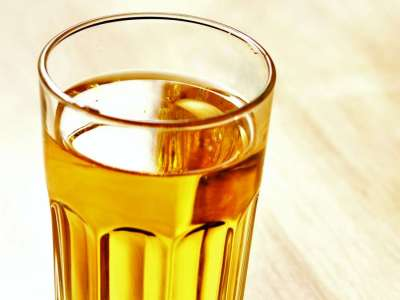 Medical News Today: Does drinking urine have any real health benefits?