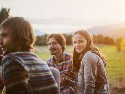 Medical News Today: What does a healthy open relationship look like?