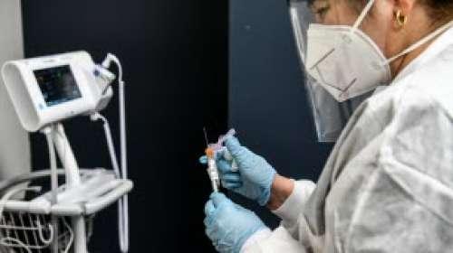 Coronavirus : AstraZeneca reprend ses tests pour un vaccin