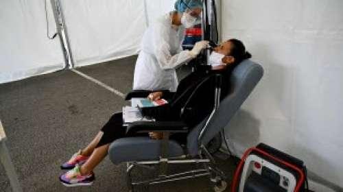 Coronavirus: nouveau record avec plus de 30600 cas en 24 heures en France