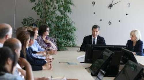 Centre hospitalier de Valence : Nicolas Daragon invite Olivier Véran, mais…