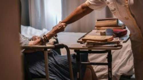 Coronavirus : pourquoi autant d'aînés sont morts dans les Ehpad