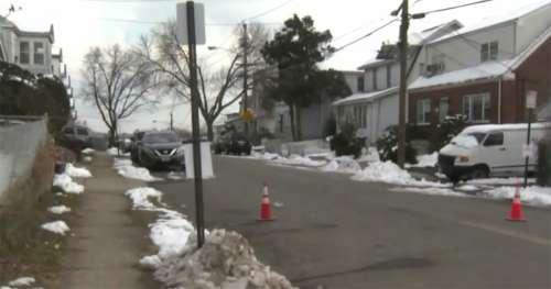 Une adolescente qui se promène avec un chien entend les cris d'un homme kidnappé enfermé dans le coffre d'une voiture
