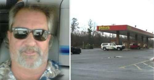 Un camionneur lance un coup d'œil à la fille dans la voiture et comprend qu'il doit immédiatement contacter la police