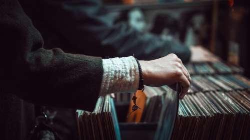 Musique : le streaming domine en France et le vinyle tient la forme