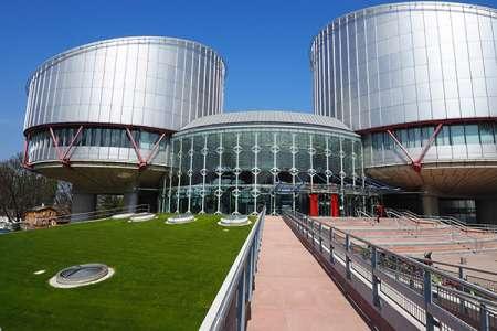 CEDH : les échanges privés sur un site de rencontre peuvent ressortir pour un divorce