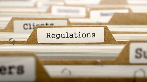 Le poing de la régulation menace de s'abattre sur la crypto