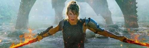 Milla Jovovich hésite entre le lance-roquettes et les doubles lames dans le film Monster Hunter