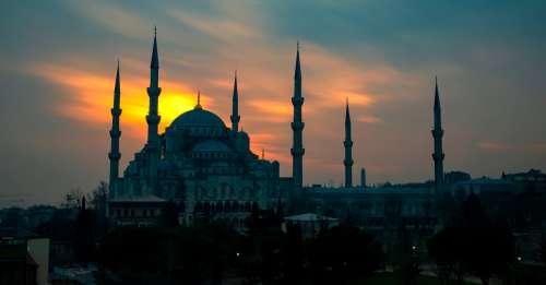 Découvrez l'histoire fascinante de l'Empire ottoman, de ses débuts retentissants à son effondrement