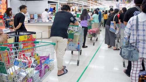Ce supermarché a trouvé une idée pour stopper la ruée sur les gels hydroalcooliques