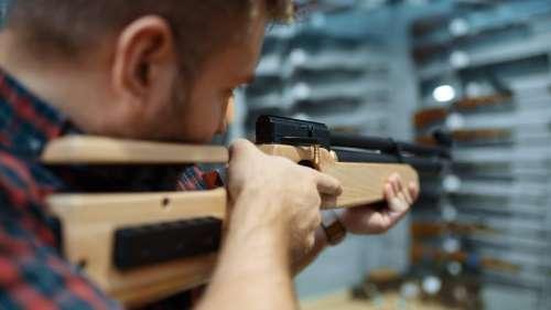 Coronavirus : Los Angeles rouvre les magasins d'armes à feu car considérés comme «essentiels»