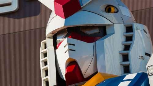 Un cosplayer japonais très créatif fabrique des masques Gundam pour se protéger du Covid-19