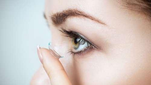 Le saviez-vous ? Des médecins ont trouvé dans l'œil d'une patiente… 27 lentilles de contact