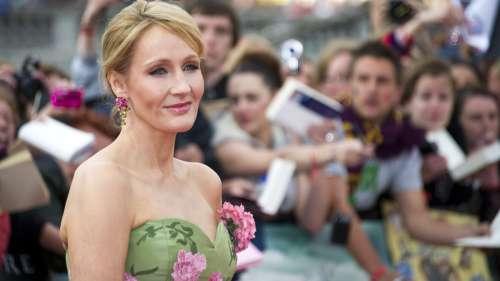 J. K. Rowling dérape une fois de plus sur Twitter en « likant » un tweet transphobe