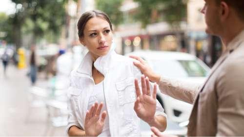Voici une formation gratuite pour apprendre à réagir face au harcèlement de rue