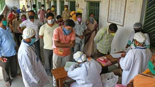 Covid-19 : le nombre de contaminations et de décès chute drastiquement en Inde