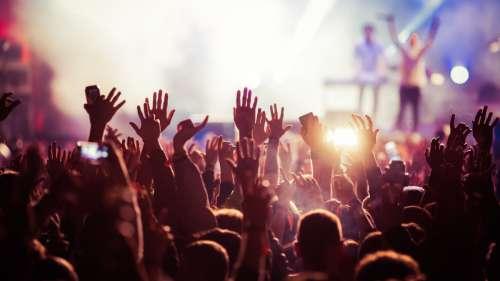 5 000 personnes réunies pour un concert test à Barcelone