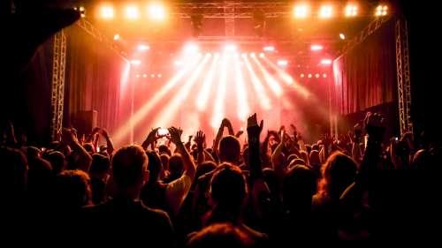 Covid-19 : aucun signe de contagion détecté un mois après le concert test en Espagne